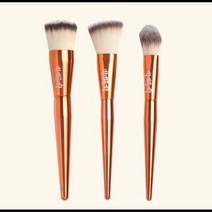 3 piece brush set Alamar cosmetics